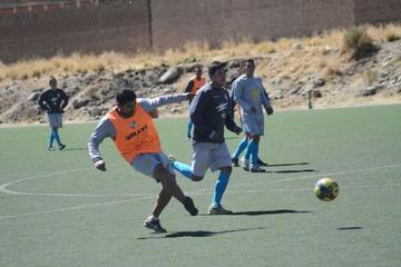 Zazhú se enfoca en los ensayos de fútbol