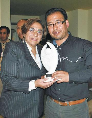 Prensa local se solidariza con Amalia Pando y John Arandia