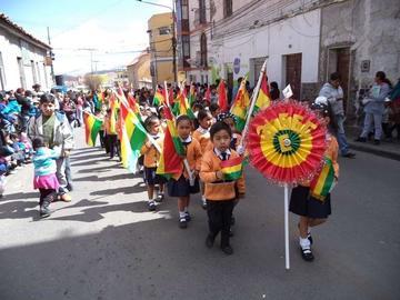 Confirman el desfile del Día de la Bandera