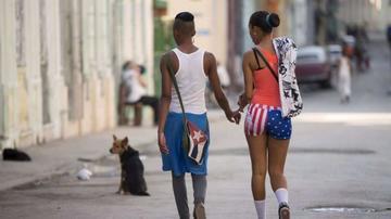 Los cubanos ya se visten con la bandera de EE.UU.