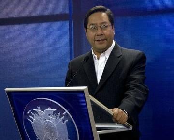 Ministro Arce dice que Bolivia no necesita devaluar su moneda