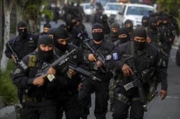 Espiral de violencia en El Salvador deja 67 muertos desde el viernes