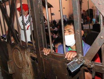 Más de 100 reos de Palmasola comienzan huelga de hambre