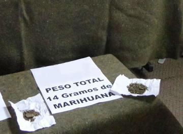 Estudiante ofrecía droga por WhatsApp