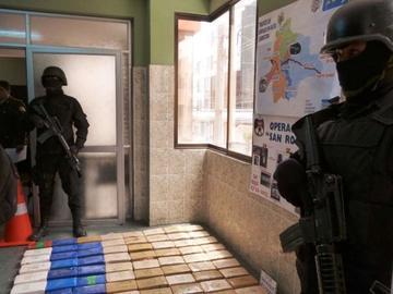 """Policía arresta a 33 presuntos """"narcos"""" en siete operativos"""