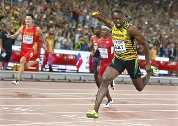 Bolt  logra su cuarto triplete en atletismo