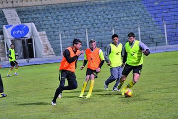 Preza quiere debutar con un triunfo en el fútbol boliviano