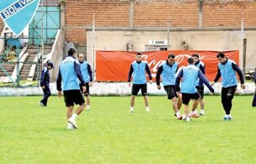 Bolívar visita a Defensor Sporting