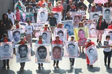 El Gobierno mexicano acepta la mediación de expertos con padres