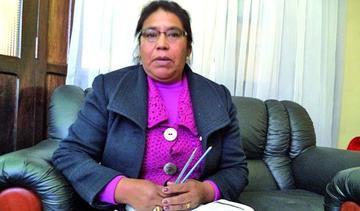 Los concejales rechazan el control de asistencia y rechazan el bono de té