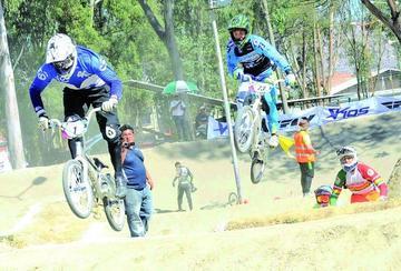 Sebastián Vargas gana el campeonato de bicicross