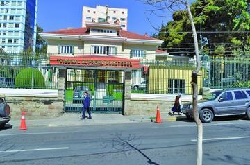 Postergan interpelación a dos ministros de Estado