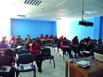 Capacitan a 35 alumnos de carreras en salud de la UATF