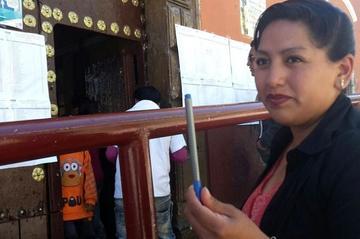 Jurados electorales impiden a una ciudadana en Potosí votar con su propio bolígrafo