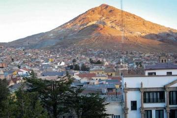 Los concejales municipales anuncian que visitarán el Cerro Rico de Potosí
