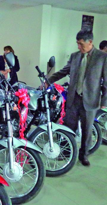 Entregan autos y motos al Tribunal de Justicia Potosí