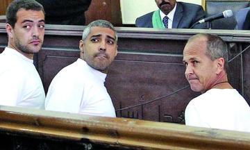 Presidente de Egipto indulta a periodistas y activistas