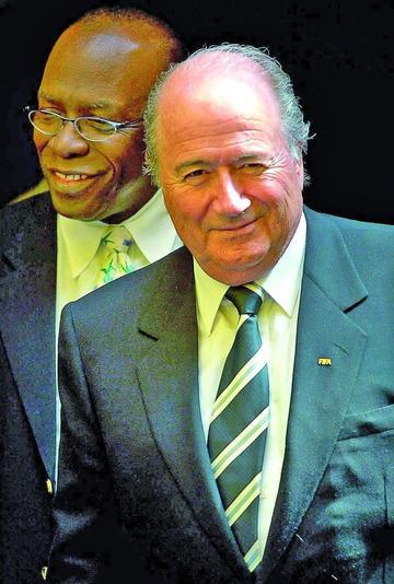 Alemania pide a Blatter alejarse