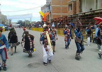 Los instrumentos nativos se lucen en Ch'utillos