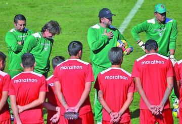 Baldivieso se inclina por un 4-4-2 para retar a Uruguay