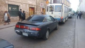 Autos de servicio público no aportan al municipio local