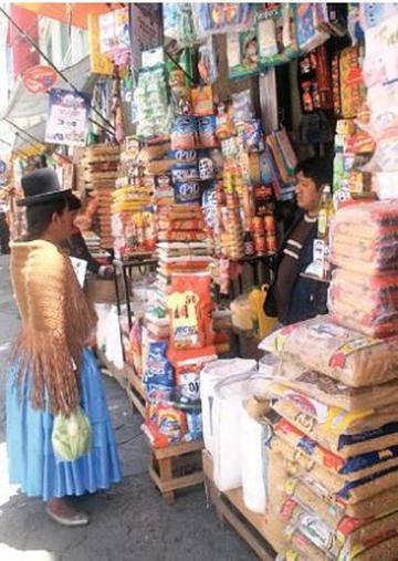 Productos de Argentina y Brasil invaden el mercado boliviano