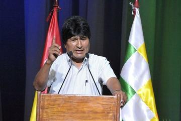 Bolivia entrega contribución para salvar a la Madre Tierra para la COP-21
