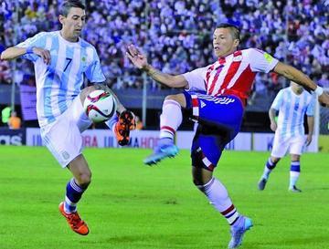"""Paraguay y Argentina empatan en el """"Defensores del Chaco"""""""