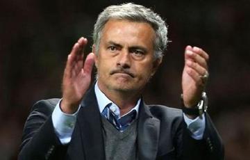 Sancionan a Jose Mourinho por criticar a sus jugadores y a los árbitros
