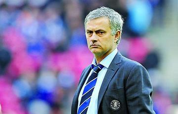 Mourinho es suspendido por la FA