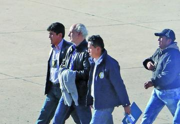 Carlos Chávez asegura que no renunciará mientras siga detenido en Palmasola