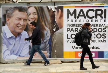 Candidatos argentinos van a la búsqueda de  votos de los indecisos