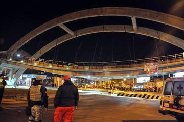Anuncian demolición del paso a desnivel que colapsó en la Llajta