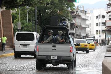 Texas registra múltiples inundaciones y alertas de tornado a la espera de Patricia