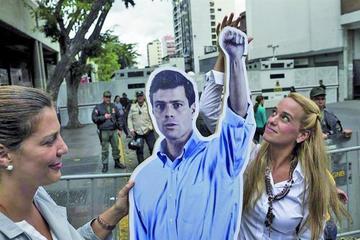 Esperan la encarcelación de López tras denuncia y huida de fiscal acusador