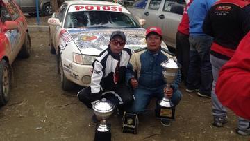 Aguirre logra el tetracampeonato nacional en automovilismo