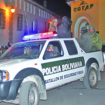 """Entra en vigencia plan policial """"Todos Santos"""""""