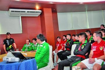 Salvatierra brinda su apoyo a la Selección Nacional