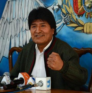 Presidente Evo Morales llega a Bolivia luego de su periplo por Europa