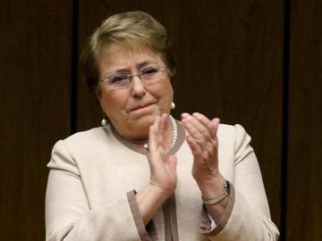 Excancilleres de Chile brindan su apoyo al Gobierno de Bachelet
