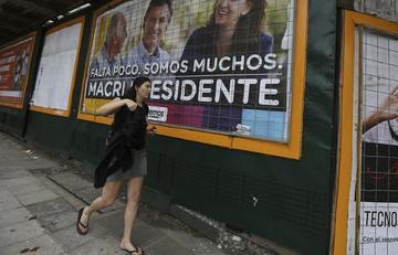 Macri y Scioli buscan sumar más votos para comicios argentinos