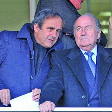 FIFA pide sanciones para Blatter y Platini
