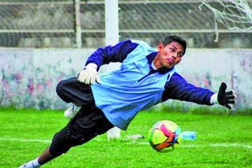 El arquero juvenil Widen Rojas hará su debut profesional frente a los realistas