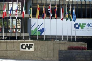 CAF aprueba crédito de $us 260 millones para dos carreteras en Bolivia