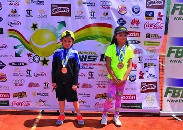 Marín y Sandoval consiguen medallas de bronce en el torneo de tenis