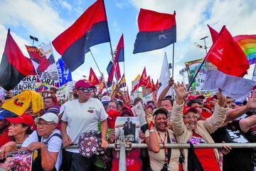 Oficialismo y oposición  cierran sus campañas
