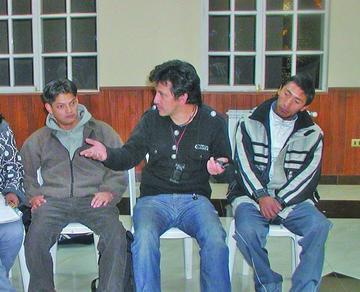 La obra de teatro Alasestatuas vuelve  a La Paz después de tres largos años