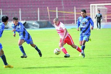 Estrada, Veizaga y Zambrana le dieron la victoria a la selección de la Villa Imperial
