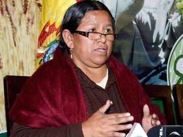 Surge nueva denuncia contra la exministra Nemesia Achacollo