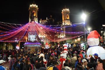 Luces de Navidad iluminan Potosí